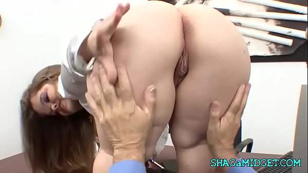 Office Play With Gorgeous Dwarf Babe