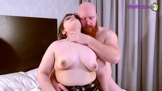 Thor Johnson Xxx Hammers Lil Kiwwi With His Big Dick!! Sextape 1