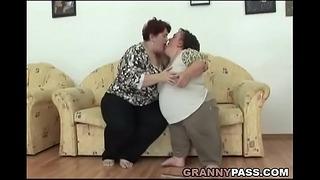 Lesbian Midget Pleases A Chubby Grandmother